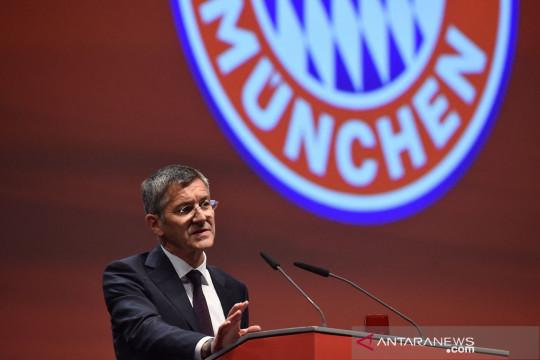 Presiden Bayern pertanyakan pengeluaran gaji PSG musim ini
