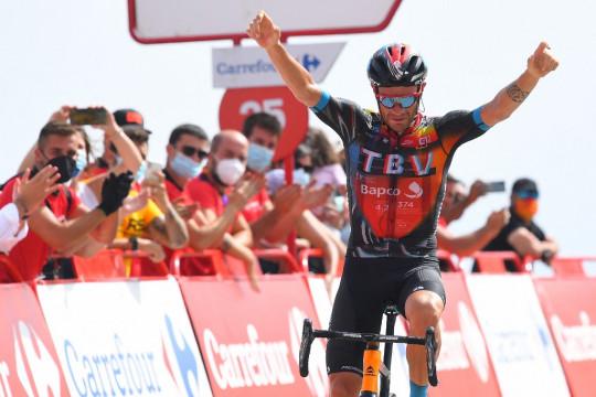 Caruso juarai etape sembilan Vueltan, Roglic kokoh di puncak