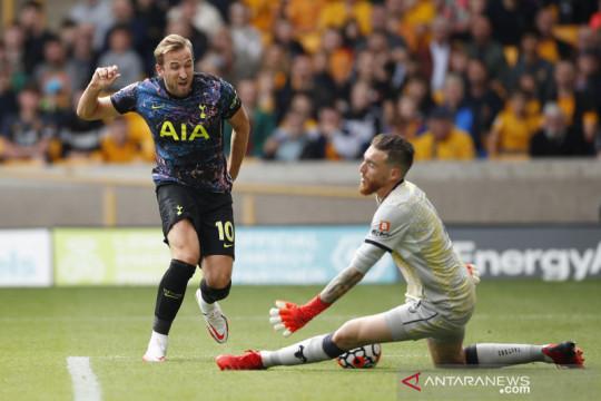 Harry Kane tegaskan akan bertahan bersama Tottenham musim ini