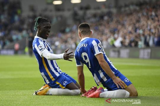 Brighton bukukan rekor saat tundukkan Watford 2-0
