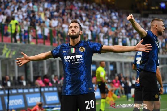 Debut gemilang Calhanoglu dan Dzeko bantu Inter menangi laga pembuka
