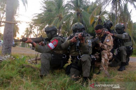 Prajurit Taifib dan Kopaska latihan pembebasan sandera di Situbondo