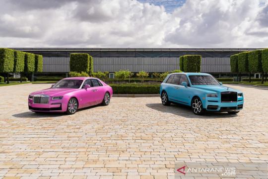 Tampilan nyentrik Rolls-Royce Ghost dan Cullinan Black Badge