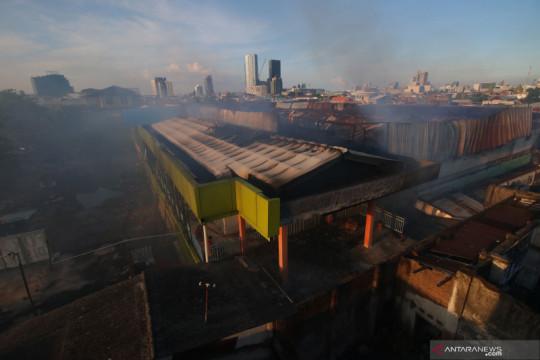 Pasar Kembang Surabaya terbakar