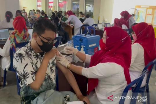 KNPI Sulsel vaksinasi 1.396 orang dari kalangan pemuda