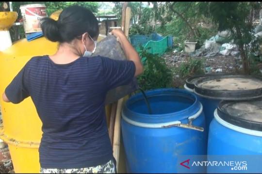 Warga Kampung Muka Ancol tukar setiap kilo sampah dengan uang Rp3.000
