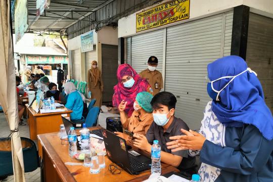 Dua kelurahan di Kebon Jeruk dapat predikat zona hijau vaksin COVID-19