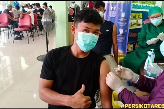 Pemain Persikota Tangerang jalani vaksinasi dengan vaksin Pfizer