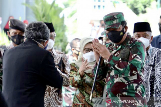 Panglima TNI ajak masyarakat di Yogyakarta ikut vaksinasi COVID-19