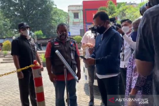 Wali Kota Bogor lakukan scan barcode saat kunjungi pusat perbelanjaan