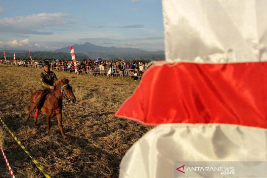 Lomba pacuan kuda tradisional di Maros