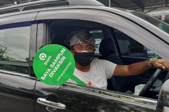 Tanpa takut terpapar, pengemudi taksi daring itu antar pasien COVID-19