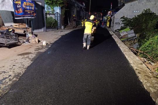 Bina Marga Jakarta Timur selesai perbaiki jalan retak di Ciracas