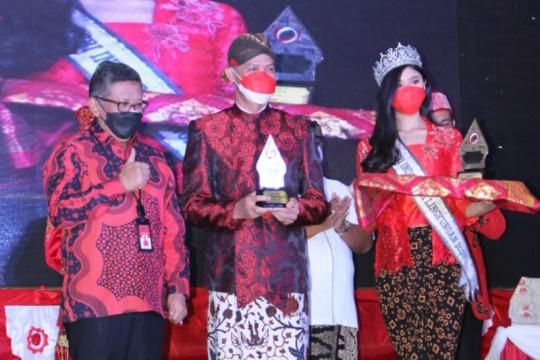 PDIP anugerahi Ganjar penghargaan Trisakti Tourism Award 2021