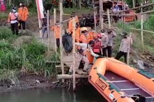Polisi dan Basarnas temukan remaja tenggelam di Blitar