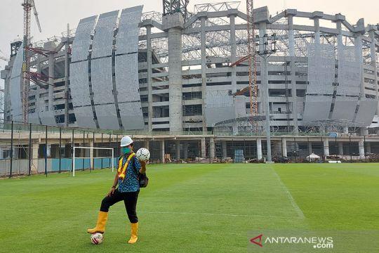 Jakpro mulai pasang rumput lapangan utama JIS Jakarta