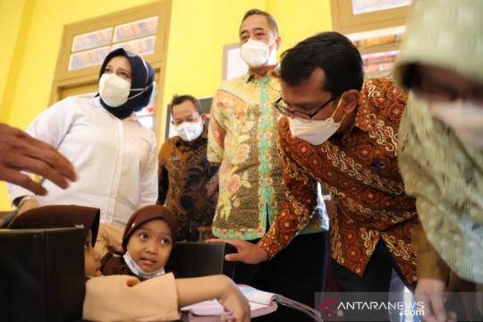 Pendidikan-kesehatan siswi kembar siam di Garut-Jabar dijamin pemda