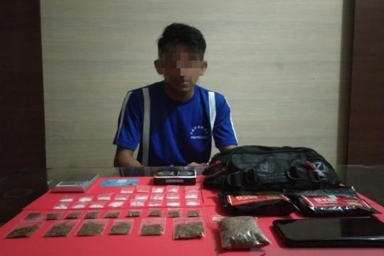 Polres Sukabumi Kota tangkap RW karena menjual berbagai jenis narkoba