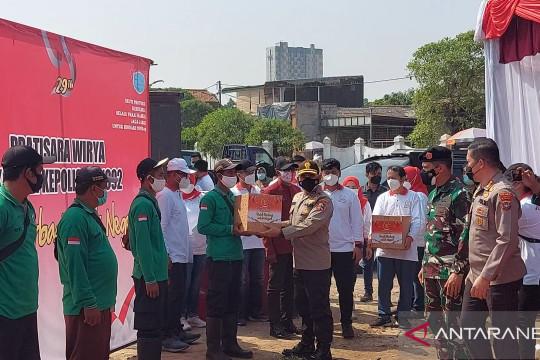 Alumni Akpol dan Akabri 92 salurkan sembako dukung penanganan pandemi