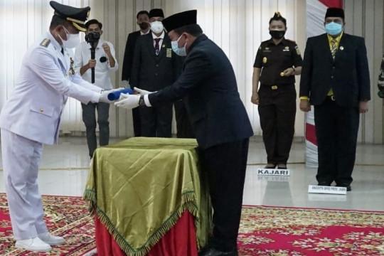 Gubernur Jambi  lantik gurunya jadi Bupati Merangin