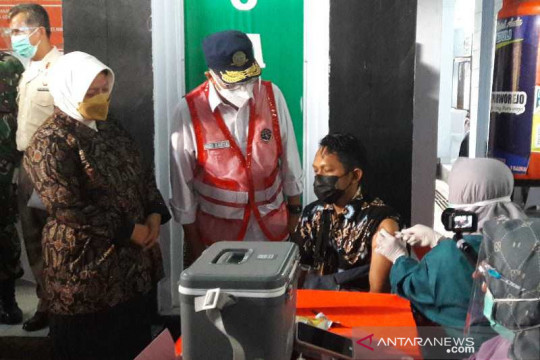 Menhub berharap vaksinasi di Purworejo capai 80 persen tahun ini