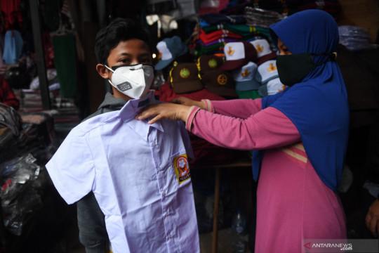 DKI Jakarta kemarin, dari pesan soal PTM hingga kebakaran Kemayoran