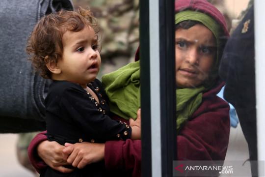 Gelombang pertama pengungsi Afghanistan tiba di Kosovo untuk transit