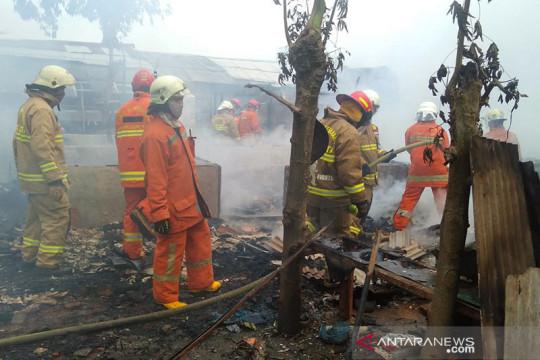 19 unit damkar dikerahkan untuk padamkan kebakaran di Cipete Utara