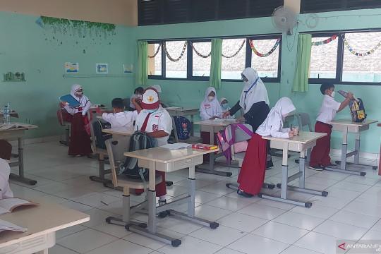 PTM di SDN Pondok Kelapa 05 Pagi disambut baik orang tua siswa