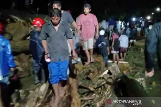 Pemkab Sigi kerahkan alat berat atasi dampak banjir bandang Desa Rogo