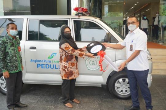 AP I sumbangkan dua unit ambulans untuk kesehatan masyarakat