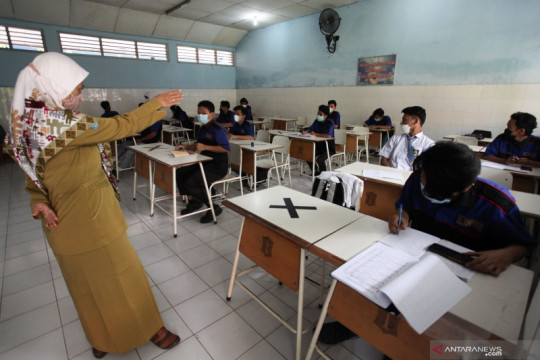 DPR minta Kemendikbudristek koordinasi dengan Pemda terkait PTM