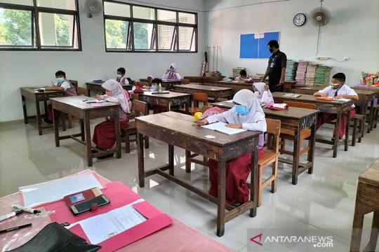 Pemkot Jakbar telusuri informasi klaster COVID-19 di sekolah