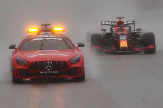 Verstappen juarai GP Belgia yang dihentikan karena cuaca buruk