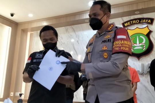 Polisi tangkap AH, dokter gagal yang tipu artis atas nama presiden