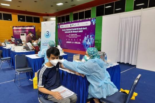 Program vaksinasi Indonesia Re Group dan AAUI