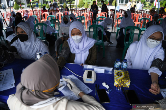 Pemprov DKI ajak komite sekolah kejar vaksinasi 15 persen remaja
