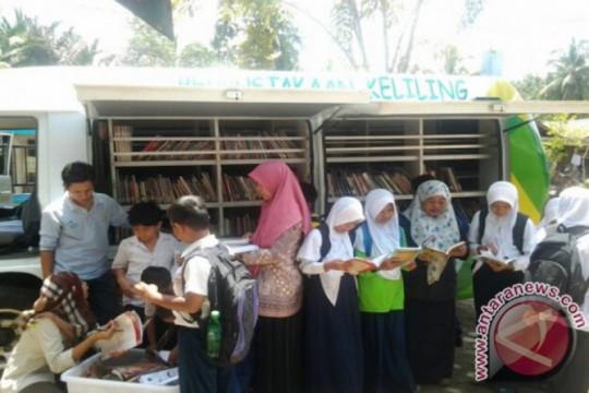 Adaro Energy bangun kesadaran literasi warga di sekitar tambang
