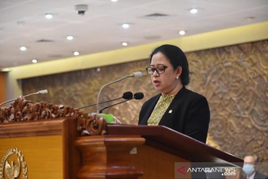 """DPR: Hak rakyat jangan hilang karena tak miliki """"smartphone"""""""