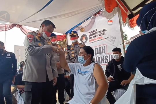 Polisi sasar warga kawasan wisata dan industri terima vaksin COVID-19