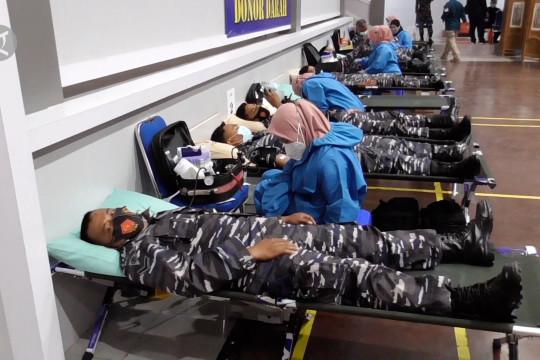 Ratusan anggota TNI AL donorkan plasma konvalesen