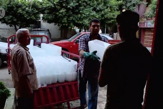 Bisnis es di Mesir naik daun di tengah gelombang panas