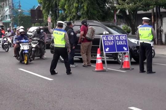 Kebijakan ganjil genap kembali diberlakukan di Kota Bandung