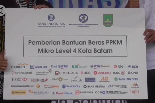 Ribuan paket beras premium untuk selamatkan warga Batam
