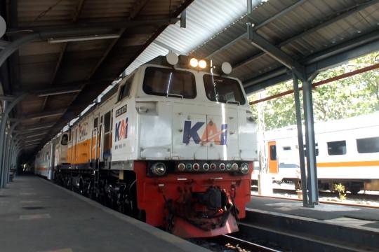 PPKM diperpanjang, Daops 9 Jember hanya operasikan tiga kereta