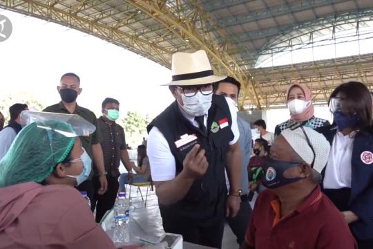 Gubernur Jabar ajak ikatan alumni sekolah gelar vaksinasi