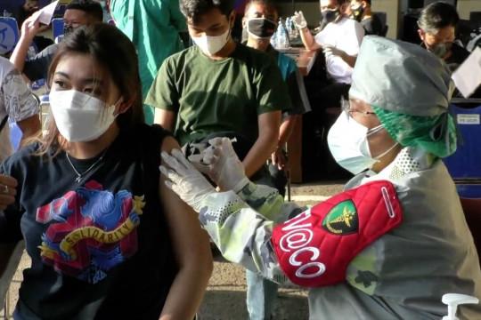 1.100 Vaksin jadi kado bagi Aremania dari Polda Jatim