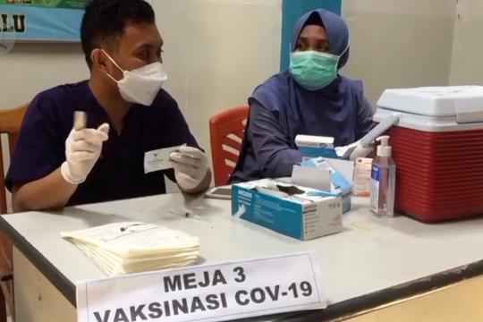 Narapidana Rutan Palu ikuti vaksinasi tahap dua