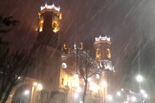 Bolivia dan Peru didera hujan salju yang tidak biasa