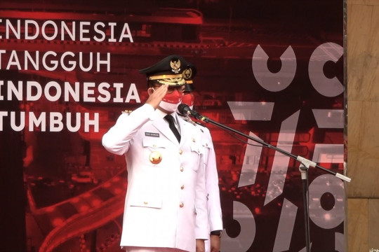 Gubernur Anies pimpin upacara HUT RI di Balai Kota